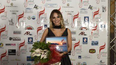 Photo of Trionfo per l'attrice Morena Gentile, focus anche sul legame narrativa-cinema, con il regista e scrittore salernitano Francesco Gagliardi