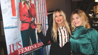 Photo of Tanti volti noti capitanati da Matilde Brandi e dall'avv. Antonella Sotira per la presentazione di IUSFEMINA 2020