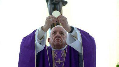 Photo of Coronavirus, riti di Pasqua del Papa senza fedeli ma in streaming