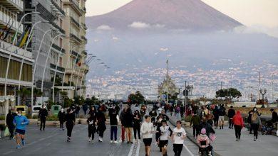 """Photo of Napoli fase 2, scontro De Luca – de Magistris. Il sindaco: """"Ordinanze come sfogliatelle, apro i locali h24"""""""