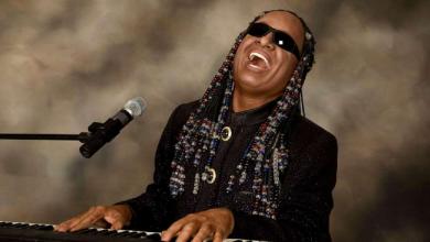 Photo of Stevie Wonder compie 70 anni, auguri all'icona della black music