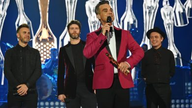 "Photo of Robbie Williams torna coi Take That: la reunion per un concerto ""in lockdown"" di beneficenza"
