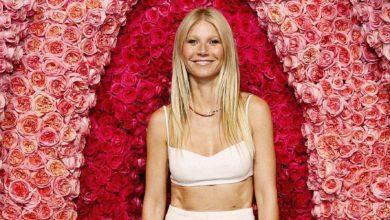 Photo of Gwyneth Paltrow completamente nuda in giardino per i suoi 48 anni
