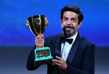 "Photo of Venezia 77: il Leone d'oro a ""Nomadland"", Coppa Volpi a Pierfrancesco Favino"